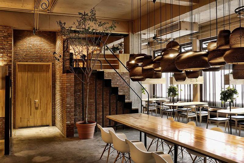 咖啡厅装饰设计选购家具-古典风格博古架