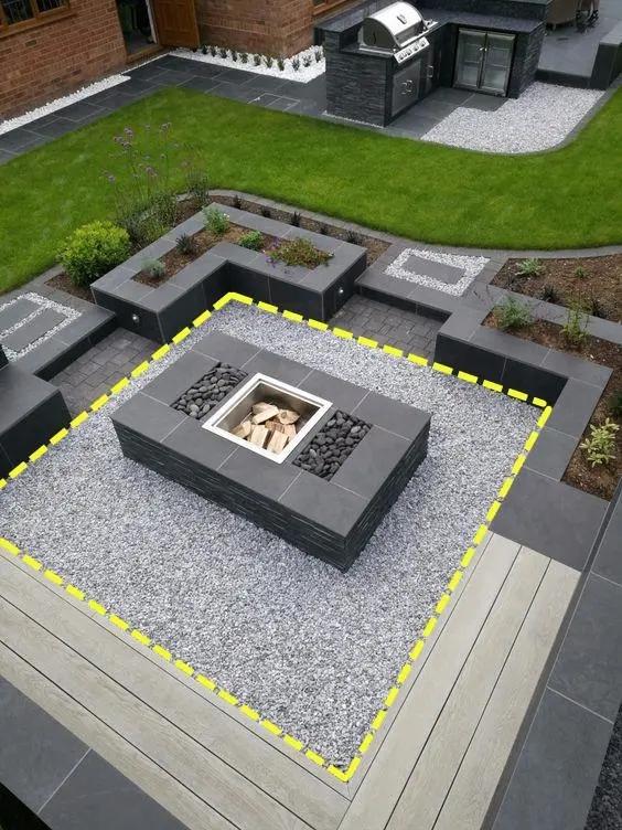 建筑给排水设计怎么做?下沉庭院铺沙石,排水快更省事!