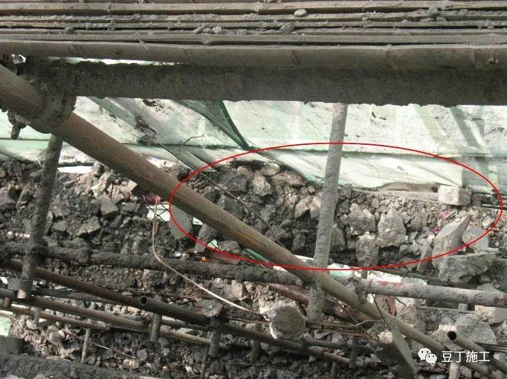 扣件式钢管脚手架安全通病防治手册(图54)